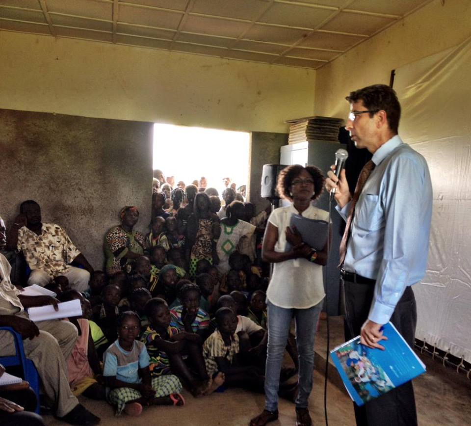 """You are the future world leaders"" Marc Rubin UNICEF Burkina Faso representative on the Global Goals in Nièga, Ganzourgou, Burkina Faso."